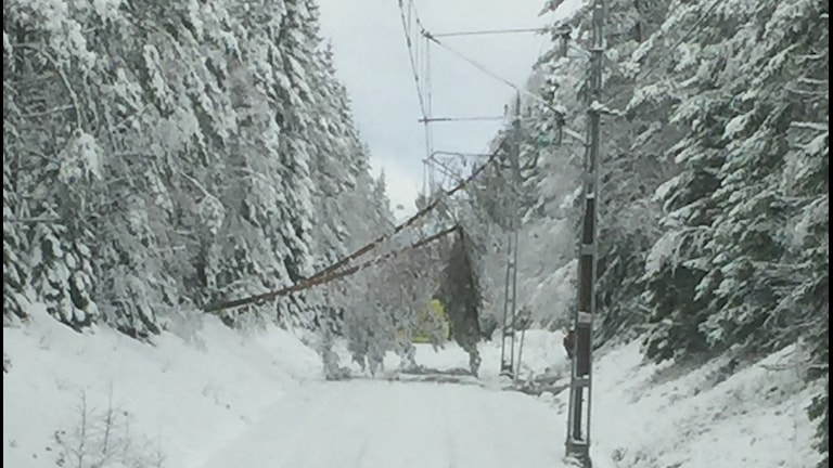 Snö skapade problem på tågen i norra Örebro län.