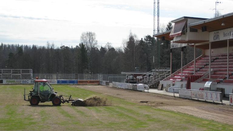 Nu röjs det på Degerfors IF Stora Valla. Fotot: Sandra Nielsen/SR Örebro.