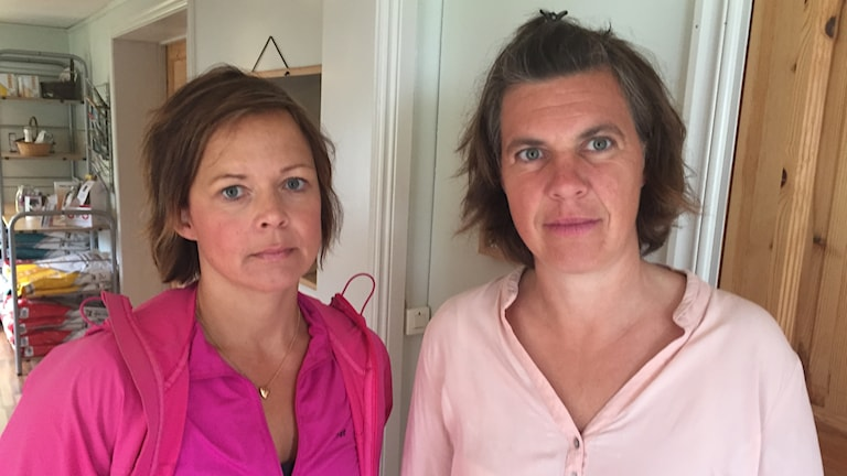 Satu Sandberg och Karin Simonsson väcker stark kritik mot de förändrade turerna som drabbar deras barn.