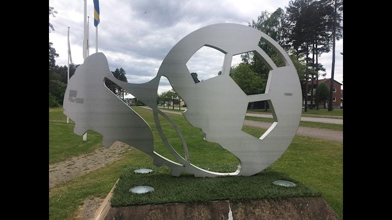 Konstverket Avspark i Degerfors fotboll