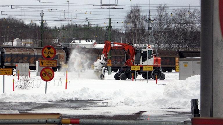 Snöröjning i Hallsberg. Foto: Andreas Morén/Sveriges Radio
