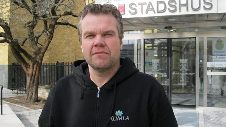 Stefan Svensson, S, ordförande i barn och utbildningsnämnden i Kumla. Foto: Päivi Kotka/Sveriges Radio Örebro.