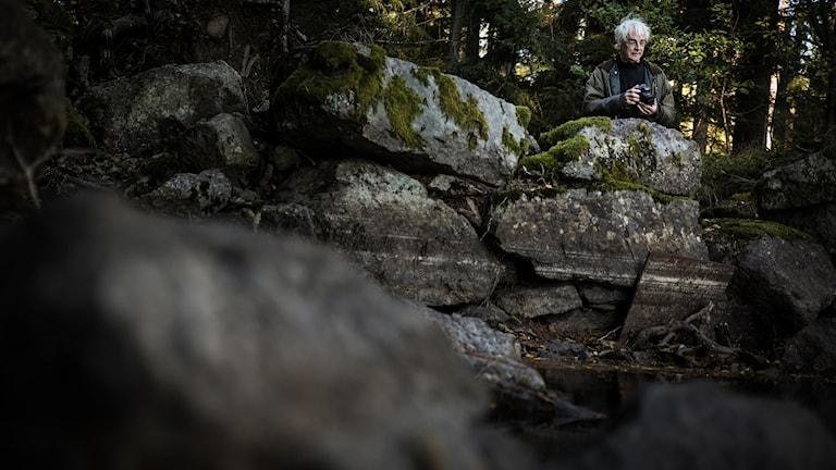 Göran Hartman vid Bergvattnets damm i Tiveden.