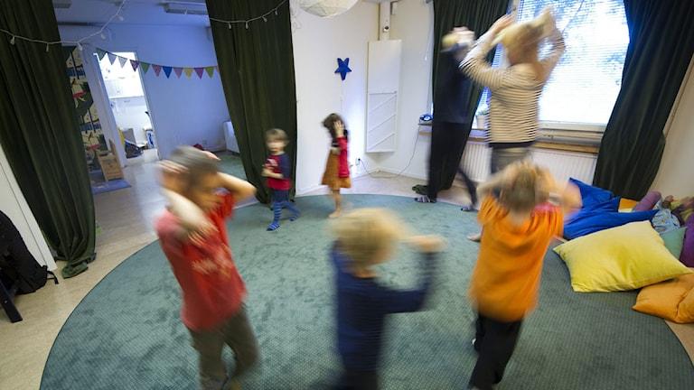 Barn på en förskola. Foto: Fredrik Sandberg/Scanpix.