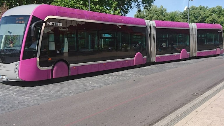 24-metersbussen i Metz som kan bli verklighet i Örebro.