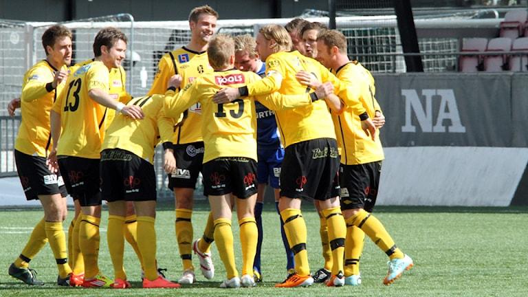 BK Forward hade anledning att dansa efter matchen mot Enköping. Foto:Valdemar Andersson/SR Örebro.