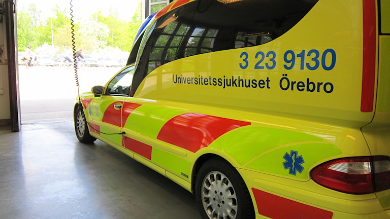 Ambulansen.. Foto: Gabriel Stenström/Sveriges Radio Örebro.