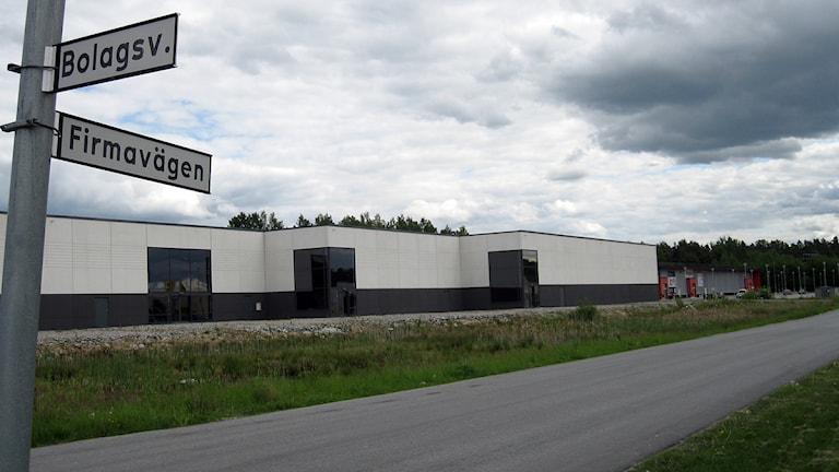 huserar på idag kan bli aktuell för lager när möbeljätten flyttar. Foto: Gabriel Stenström/Sveriges Radio Örebro.