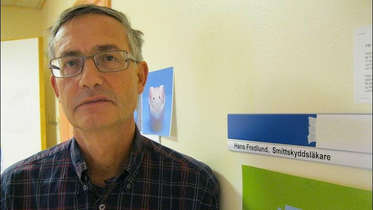 Smittskyddsläkare Hans Fredlund. Foto:Sveriges Radio