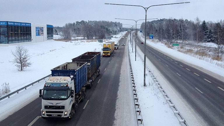 Lastbilar. Foto: Mårten Rapp/Sveriges Radio Örebro