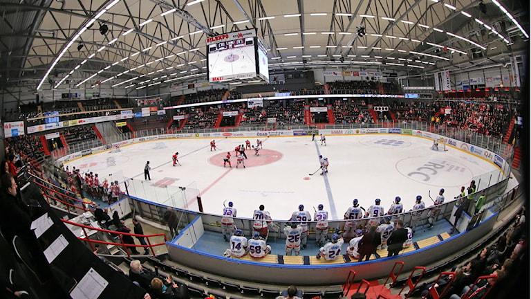 Sportpubliken har flyttat in i hockeyhallen i Örebro. Arkivbild: Valdemar Andersson/SR Örebro.
