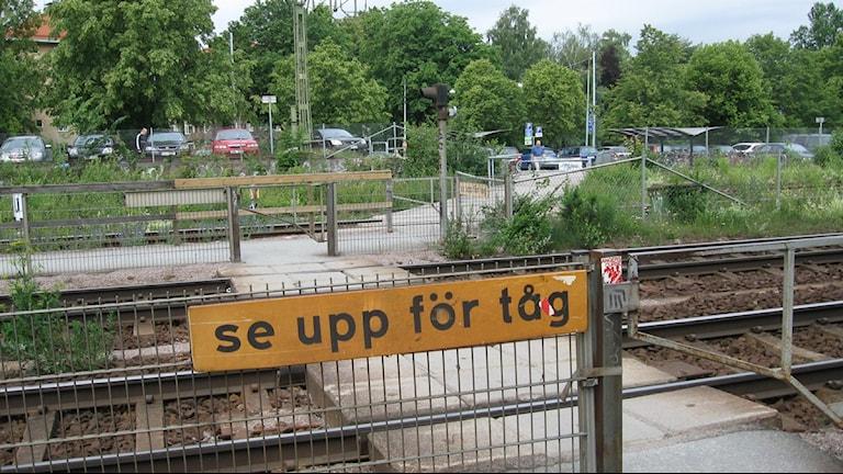Övergången vid Södra station i Örebro. Foto Marie Hansson P4 Örebro.