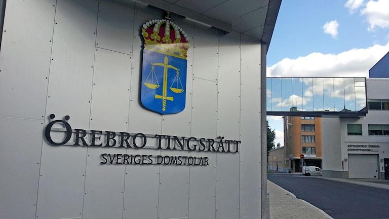 Tingsrätten i Örebro.