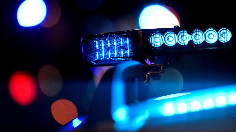 polis, blåsljus, utryckning, natt