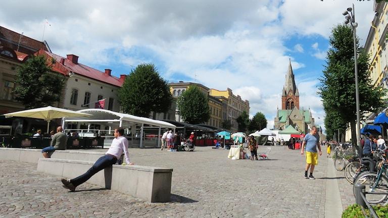 Örebro, centrum, city, stora torget, stortorget, St Nikolai kyrka, människor