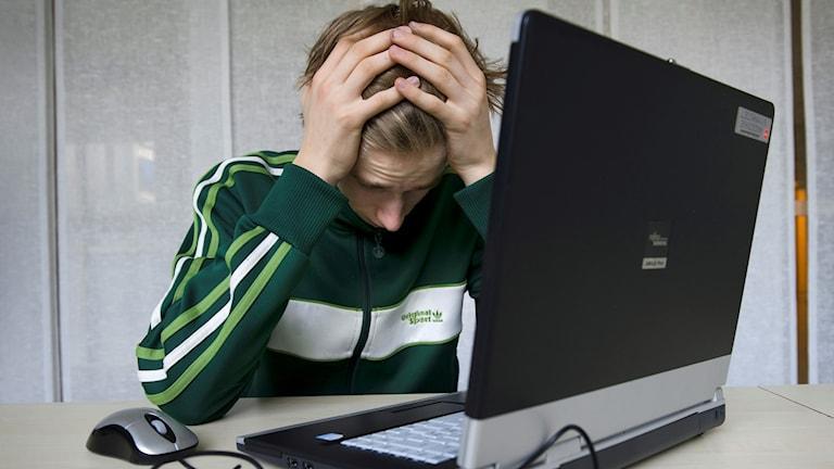 Ungdom dator stress