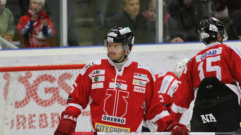 Örebro Hockeys Johan Wiklander som blir borta från spel i sex veckor på grund av knäskada.