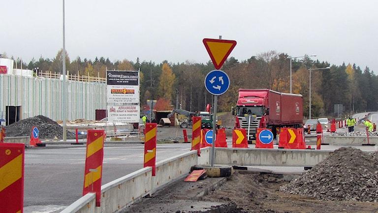 Rondellen genom Lazå när den byggdes för några år sedan. Foto: Gabriel Stenström/ Sveriges Radio.