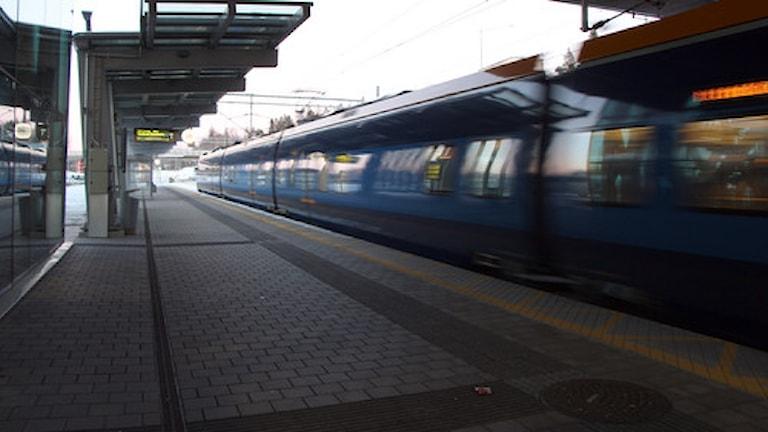 Tåget mot storstäderna går allt fortare. Arkivbild: Helena Andersson/SR.