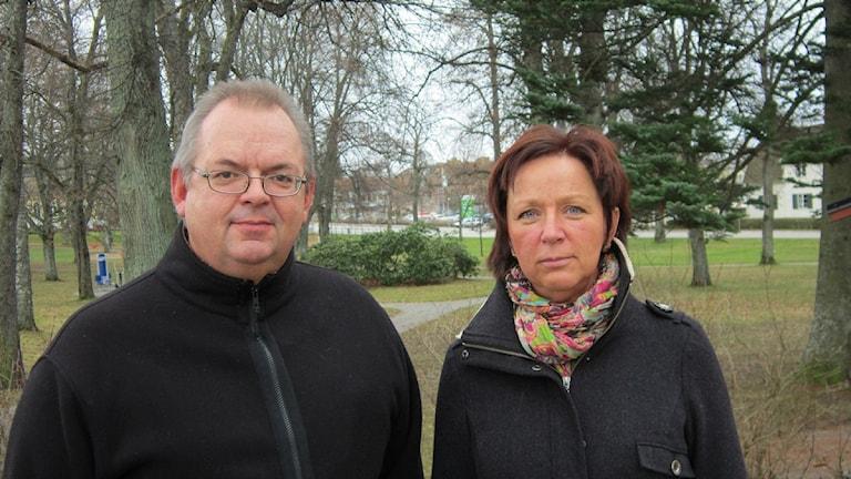 Tom Rymoen, M och Solveig Oscarsson, S samarbetar idag i Norapolitiken. Foto: Marie Hansson/P4 Örebro