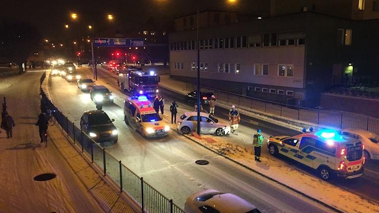 trafikolycka västra nobelgatan Örebro seriekrock