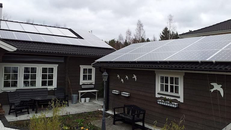Stefan Andersson och hans familj har investerat i solceller.