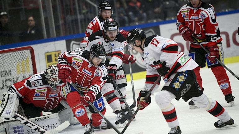Örebro hockey har många matcher att se fram emot i höst och i vinter. Här mötte Örebro Malmö Redhawks.