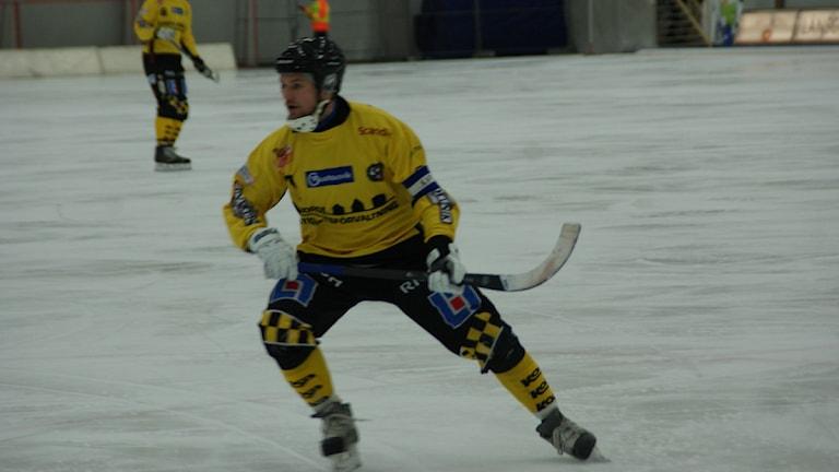 Lasse Buskqvist, tremålskytt och Matchens lirare. Foto: Lasse Hellstrandh, SR Örebro