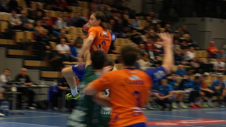 Matchens Lirare: Åttamålsskytten Jesper Nilsson. Foto: Lasse Hellstrandh, SR Örebro