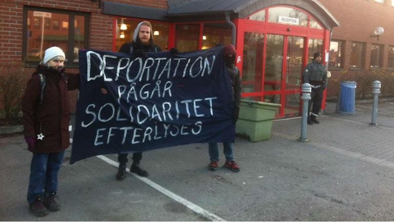 Demonstration mot att Marias pappa ska utvisas