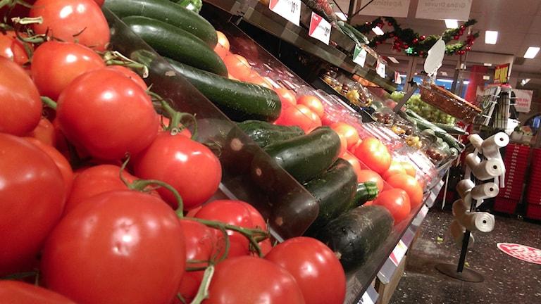 Det slängs mycket grönsaker från våra livsmedelsbutiker. Foto: Andreas Morén/Sveriges Radio