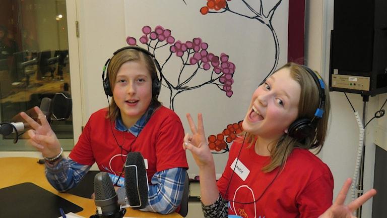 Douglas Funke och Astrid Gunnarsson tävlar för Järntorgsskolan 5A.