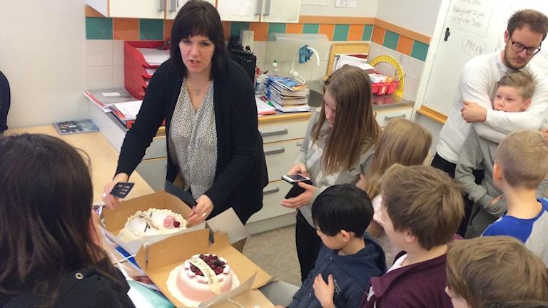 Tårtkalas i 5S på Lillåns Södra skola.