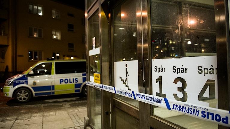 Örebro centralstation, polisbil Foto Kicki Nilsson / TT