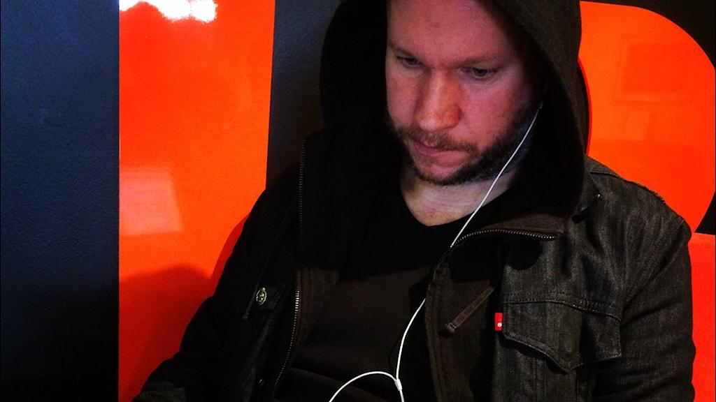 Fokuserad webbkollare, Kal Ström foto : Arne Holmberg Sveriges Radio