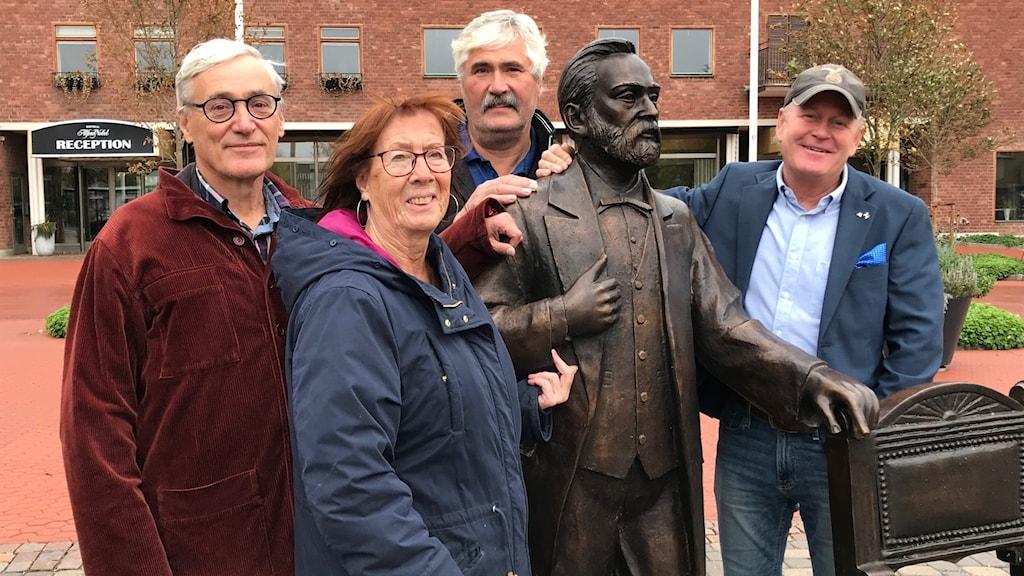 Alliansen i nytt samarbete i Karlskoga. Lars Hultkrantz (L), Christina Borén (KD), Torbjörn Pethersson (C) och Tony Ring (M).