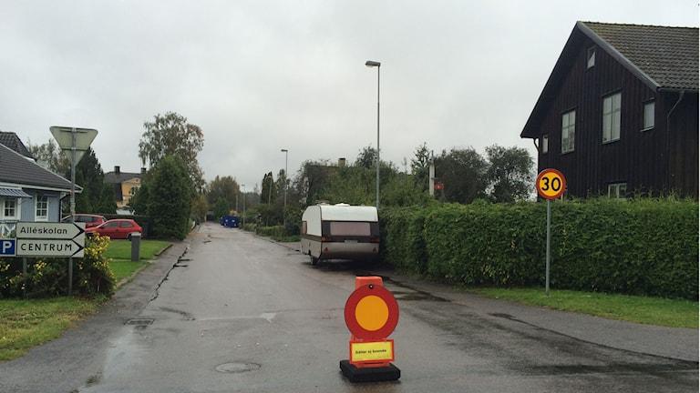 Avstängd gata efter översvämning
