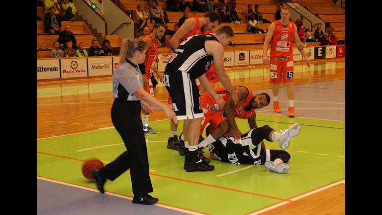 Eco Örebro föll i basketpremiären. Foto: Lasse Hellstrandh, SR Örebro