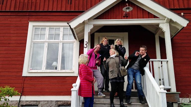 """Sju glada amatöraktörer i Askersund"""