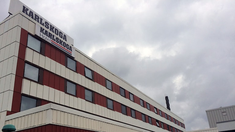 Karlskoga hotell är asylboende sedan någon vecka. Foto: Karwan Tahir/Sveriges Radio.