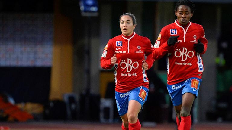 KIF Örebros Michelle De Jongh och Sarah Michael.