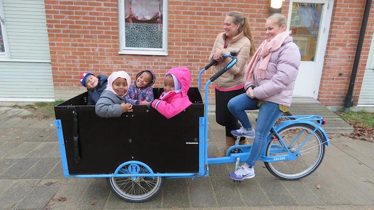 Förskolecyklar lådcyklar förskolan Språk och Lek i Vivalla