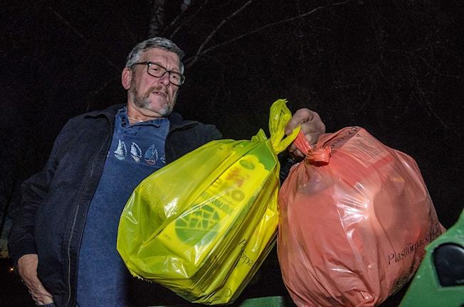 Färgsortering av sopor kommer till alla villor i Örebro