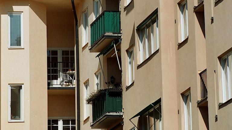 Hyreshus balkong hus