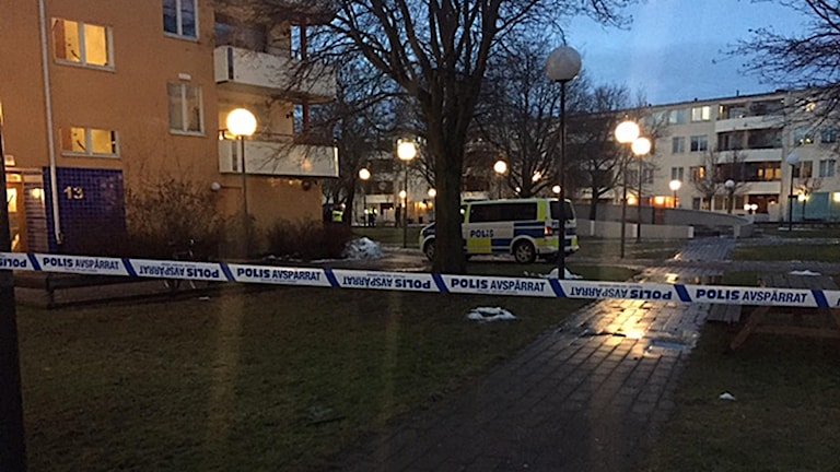 Bostadsområdet Markbacken i Örebro polisavspärrning.