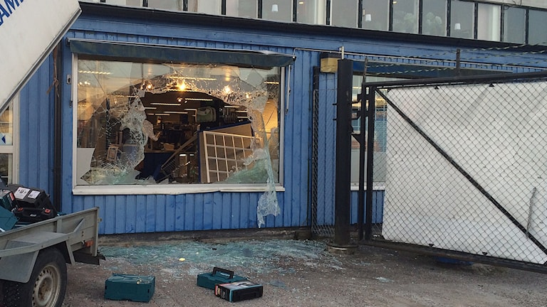 Inbrott smash and grab fönsterkross