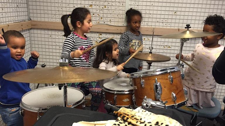 Sånglärkan, trumset, trummor, integration, musik