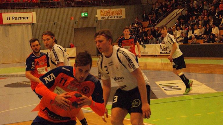Jesper Jakobsson på mot ett av sina fem mål. Foto: Lasse Hellstrandh/Sveriges Radio