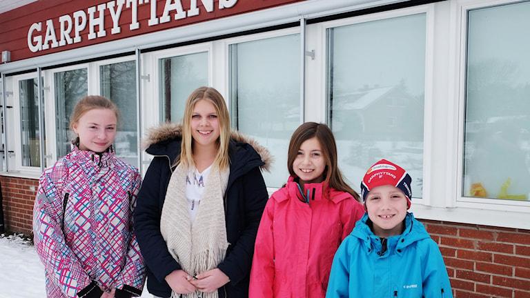Moa Käck, Mathilda Sundman, Ebba Åberg och Rasmus Doering är elever vid Garphyttans skola.