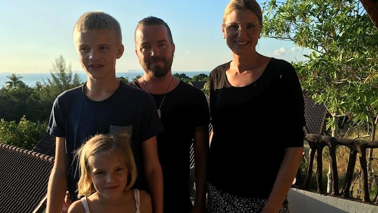 Thailandsfamiljen. Malin, David, Alvin och Line.